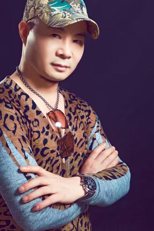 專訪|明星造型師安仔的時尚養成術
